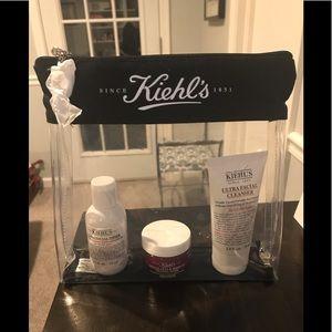 Kiehl's travel set - Brand New!